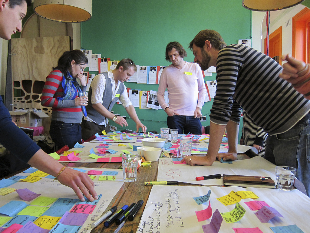 workshop image - love the idea of using coloured stickynotes